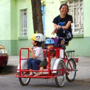 Mama en bici Areli Carreon